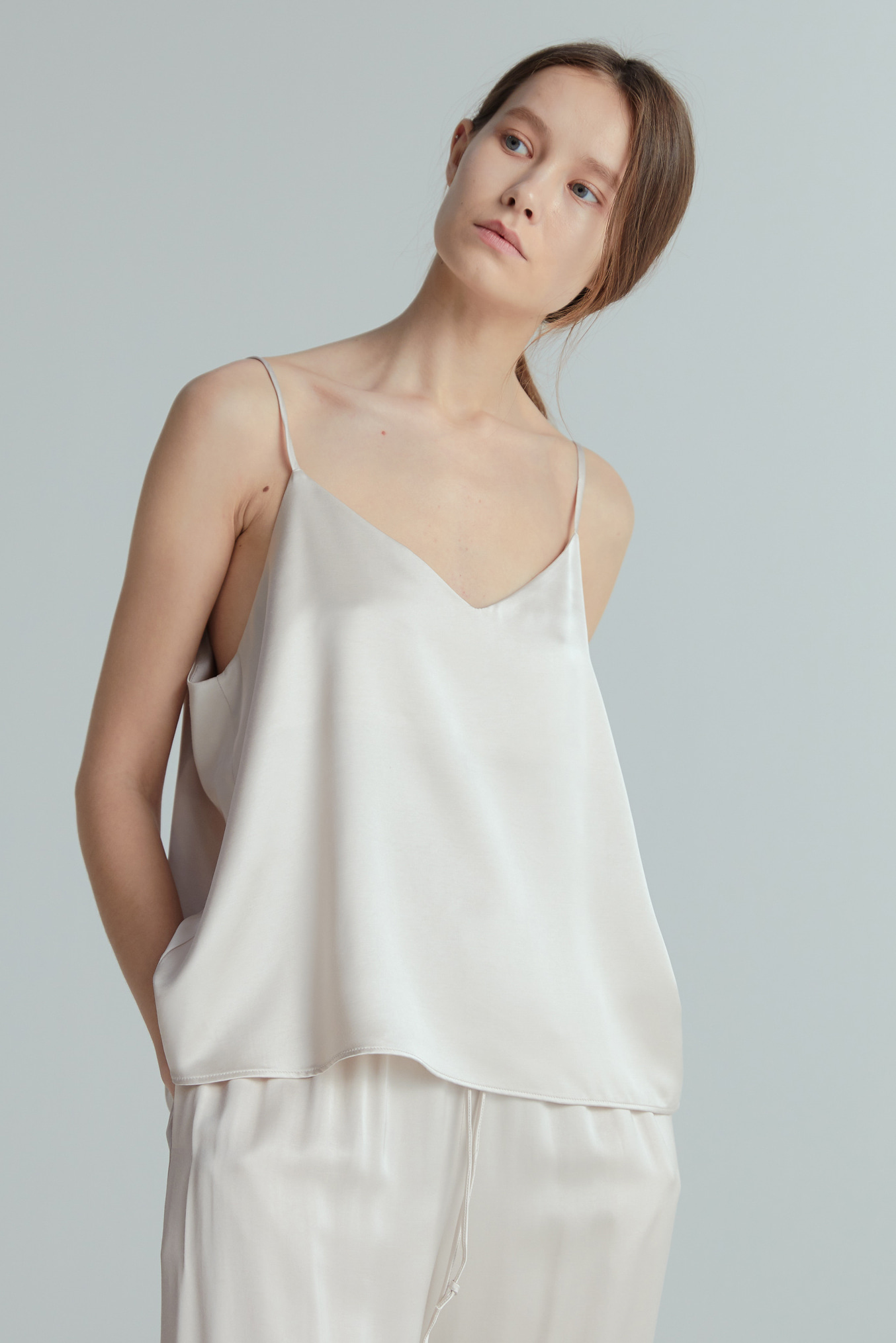POEM SLEEVELESS (LIGHT BEIGE)