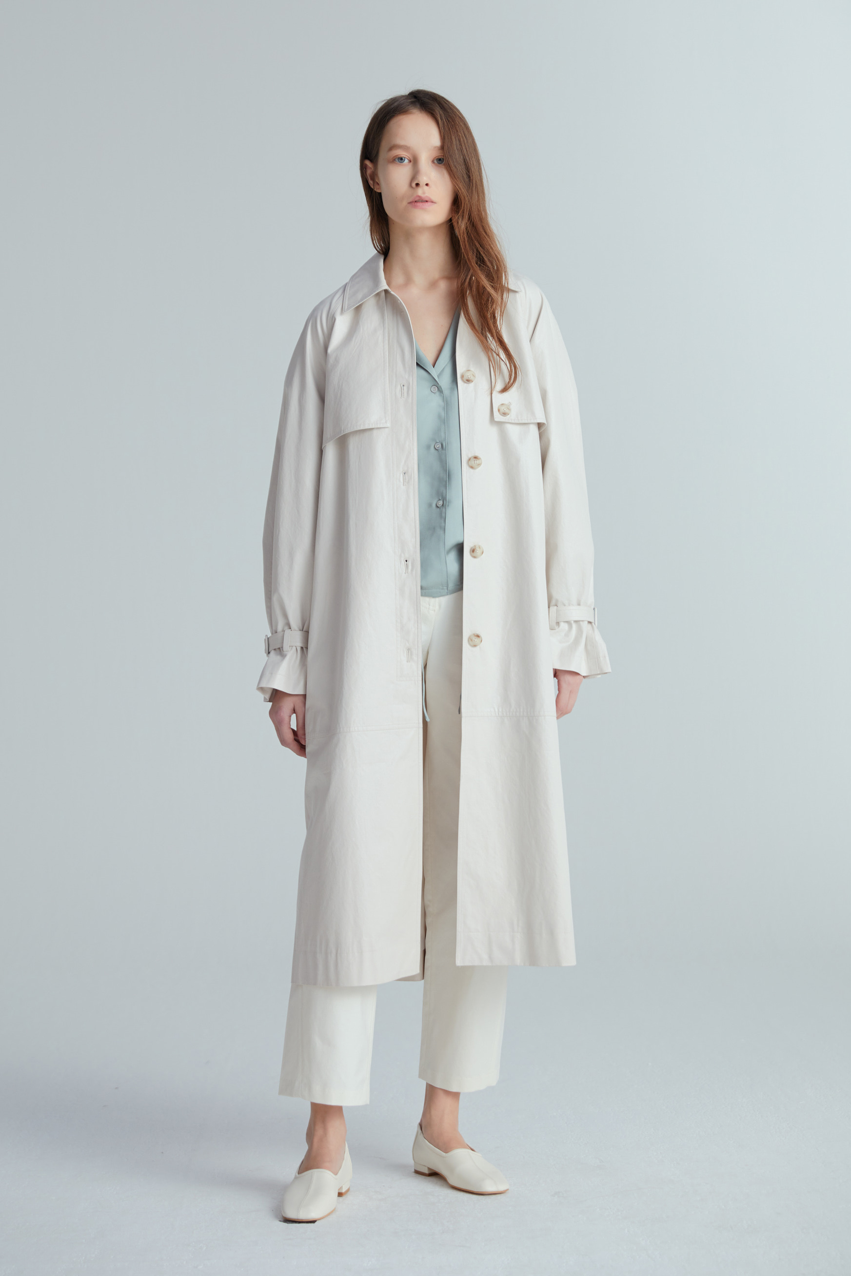 CAPE FOIL TRENCH COAT (2COLOR)