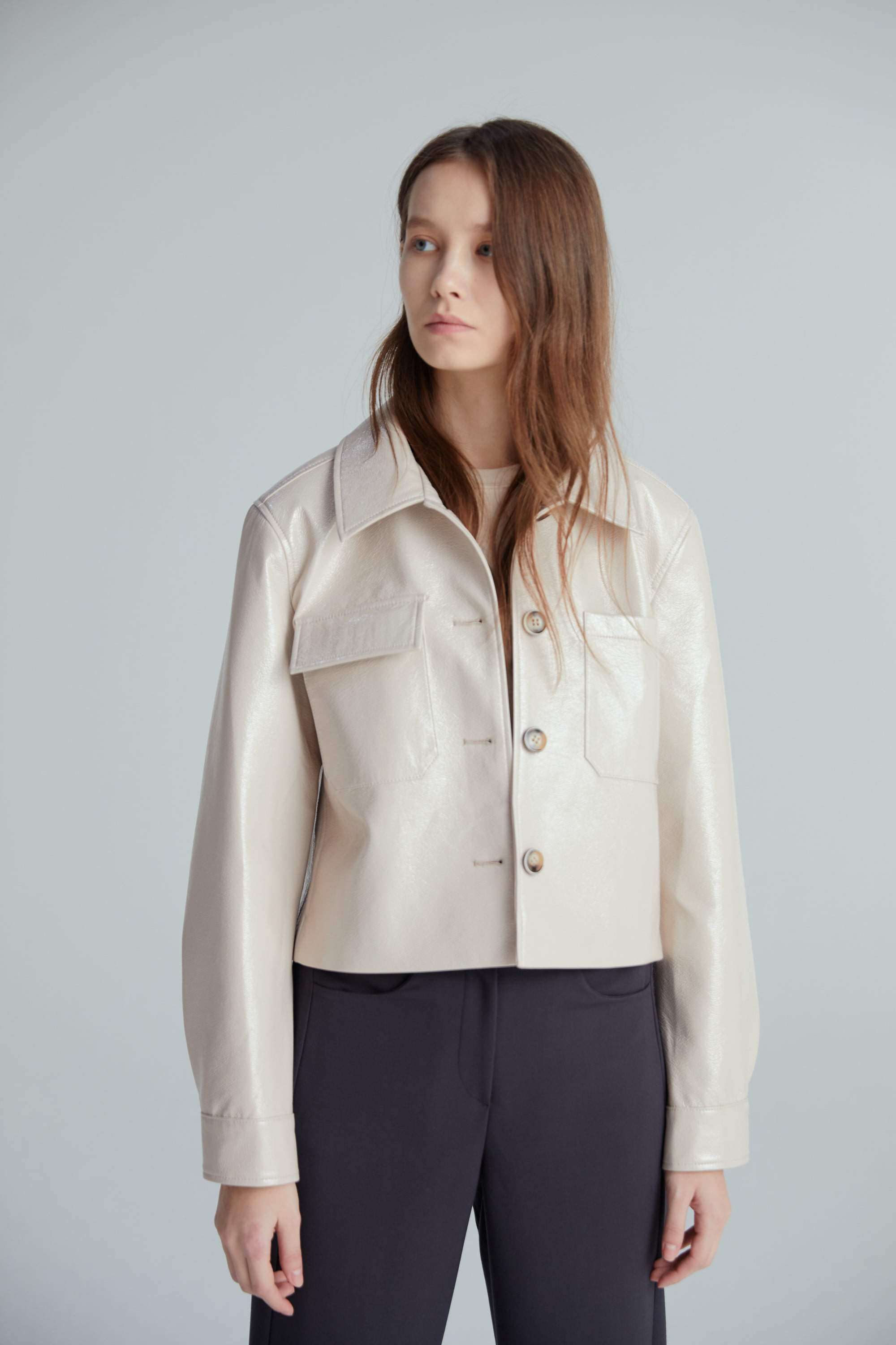 ENAMEL SHORT JACKET (BEIGE)