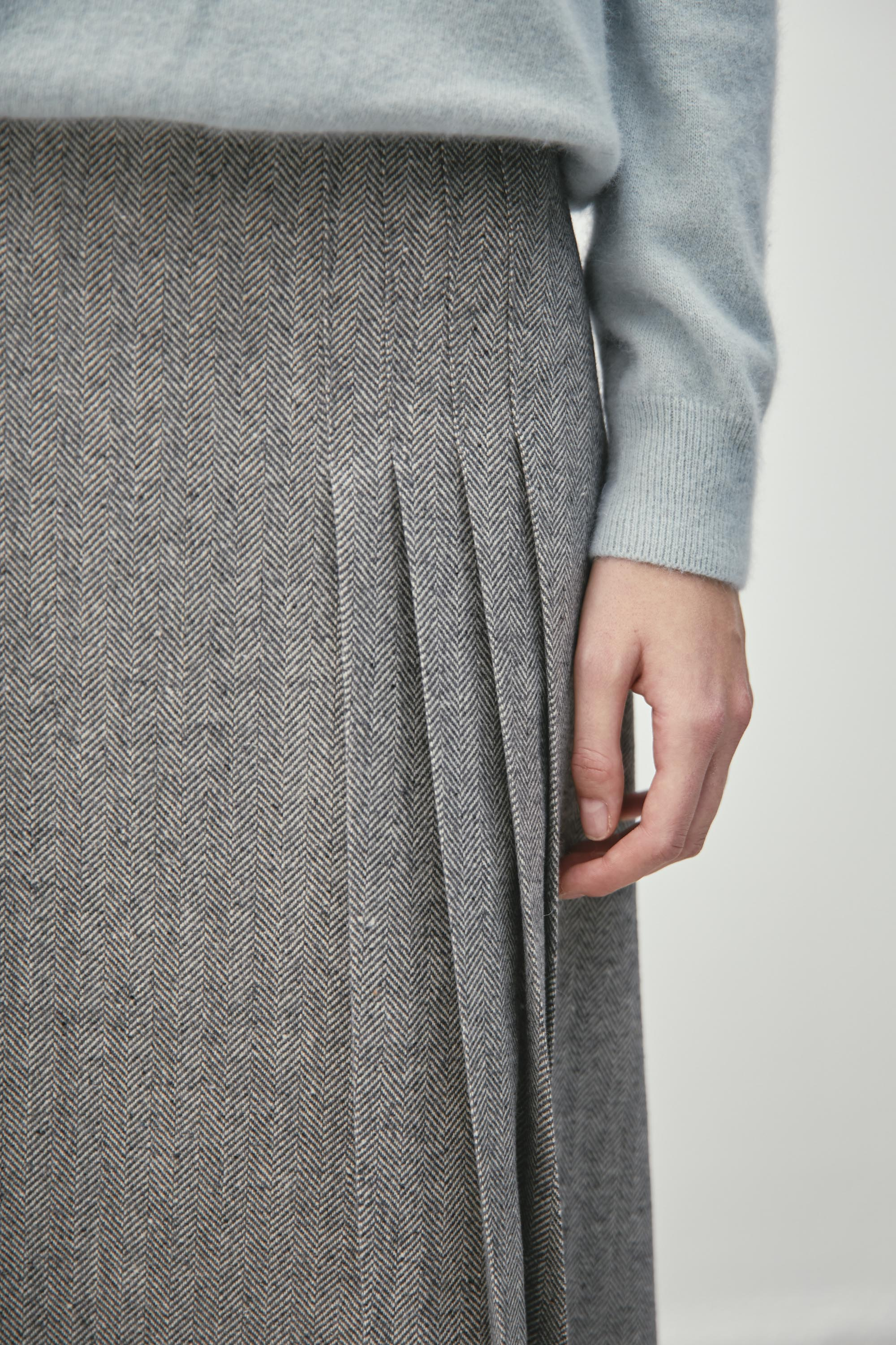 HERRINGBONE SKIRT