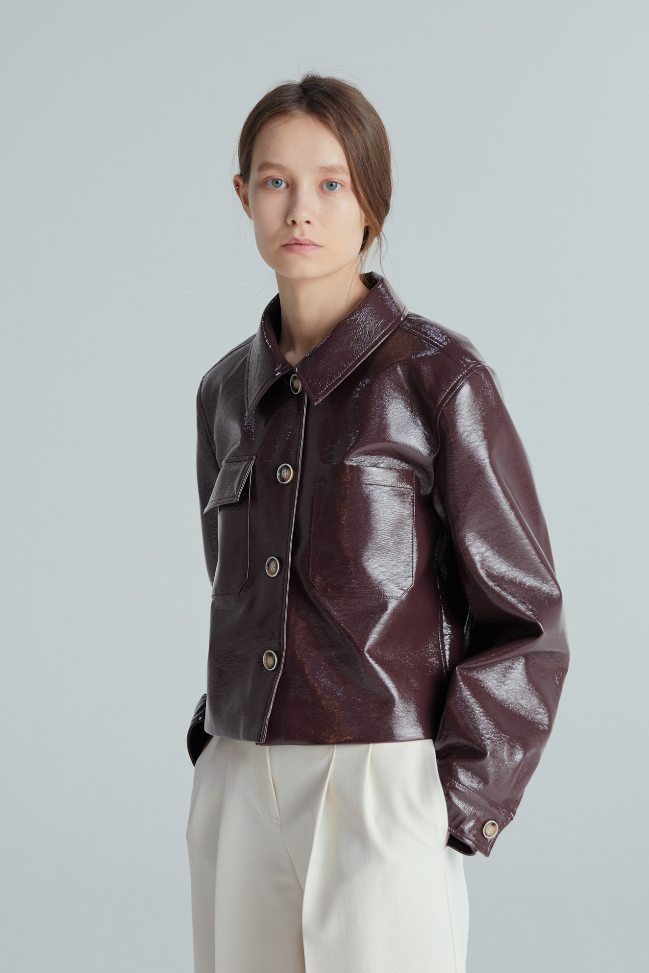 ENAMEL SHORT JACKET (COCOA)